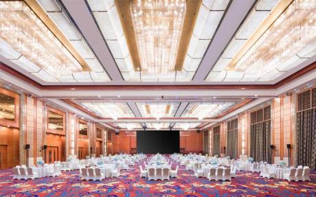 大宴会厅 1F [ 最大100桌 · 高10.0m · 无柱 · 长方形 · 低消2599 ]