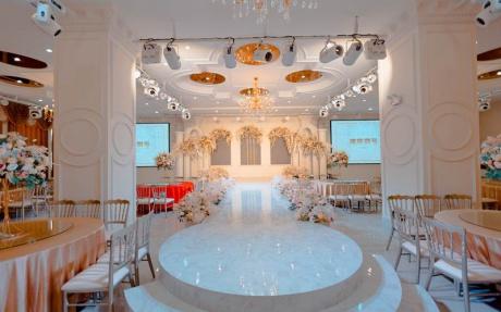 雅典娜厅  2F [ 最大20桌 · 高6.5m · 无柱 · 长方形 · 低消1699 ]