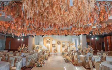 金世纪中餐厅  2F [ 最大20桌 · 高4.2m · 2个柱子 · 长方形 · 低消1699 ]