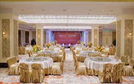 万象厅 6F [ 最大25桌 · 高3.0m · 2个柱子 · 长方形 ·  ]
