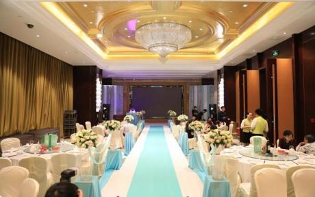 雅典厅 2F [ 最大10桌 · 高4.5m · 无柱 · 长方形 · 低消1699 ]