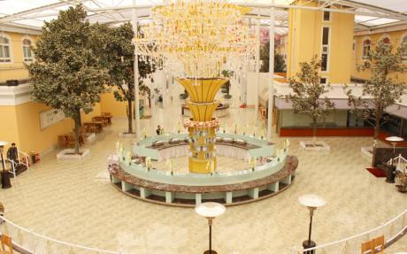 百花园餐厅1F [ 最大20桌 · 高6.0m · 无柱 · 长方形 ·  ]