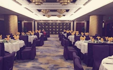 豪生阁中餐厅2F [ 最大18桌 · 高3.0m · 4个柱子 · 长方形 · 低消2099 ]