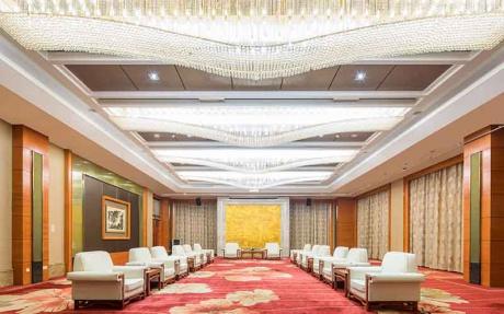 首长接见厅  3F [ 最大12桌 · 高4.2m · 无柱 · 长方形 · 低消1699 ]