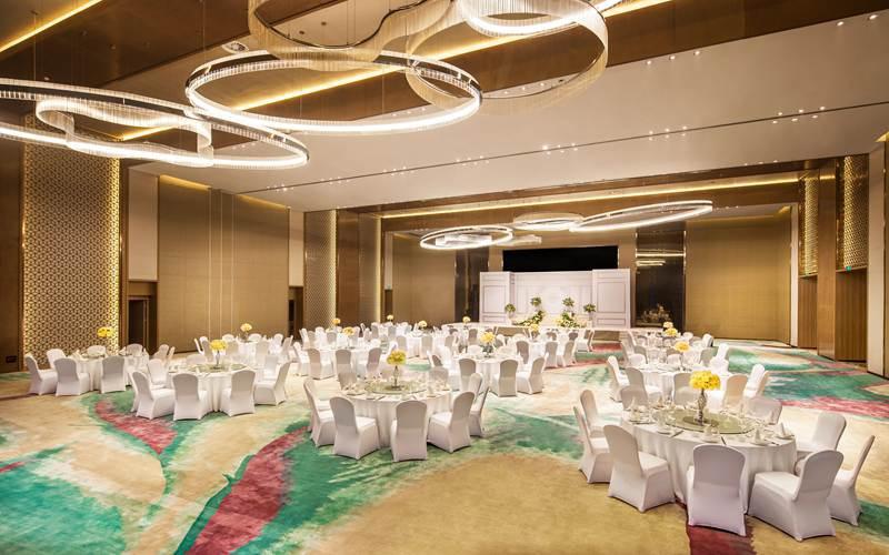 大宴会厅  3F [ 最大36桌 · 高8.0m · 无柱 · 正方形 · 低消2599 ]