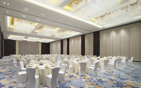 福朋宴会厅 [ 最大40桌 · 高8.0m · 无柱 · 长方形 · 低消1988 ]