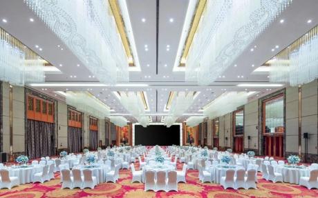 1F 宴会全厅 [ 最大95桌 · 高10.0m · 无柱 · 长方形 · 低消2699 ]