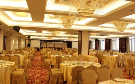 派河厅 3F [ 最大40桌 · 高2.8m · 1个柱子 · 长方形 ·  ]