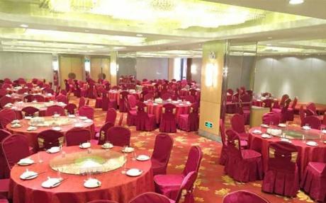 禄百年婚宴厅 4F [ 最大14桌 · 高3.5m · 2个柱子 · 长方形 ·  ]