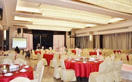多功能宴会厅15F [ 最大22桌 · 高6.0m · 无柱 · 长方形 · 低消1288 ]