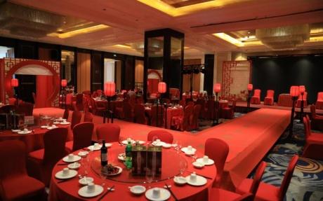 上海厅 2F [ 最大25桌 · 高5.5m · 2个柱子 · 长方形 · 低消1499 ]