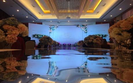 3F 会见厅 [ 最大9桌 · 高4.2m · 无柱 · 长方形 · 低消1699 ]