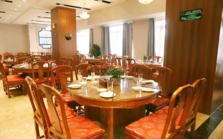 宴会厅 1F [ 最大12桌 · 高3.6m · 无柱 · 正方形 · 低消999 ]
