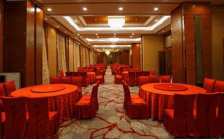 云南厅 3F [ 最大22桌 · 高4.2m · 无柱 · 长方形 · 低消1599 ]