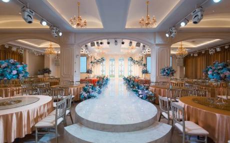 维纳斯厅 2F [ 最大35桌 · 高6.5m · 无柱 · 长方形 · 低消1699 ]